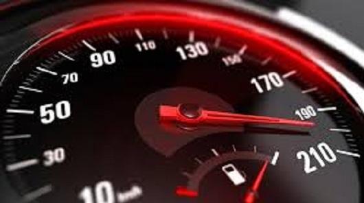Відсьогодні водії відповідатимуть за перевищення швидкості