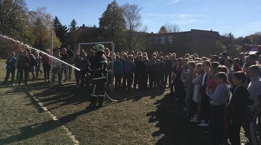 Млинівські рятувальники знайомили школярів з своєю професією (фото)