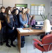 Старшокласники селища ознайомились з роботою установи